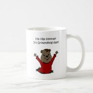 hooray seu dia de Groundhog no branco Canecas