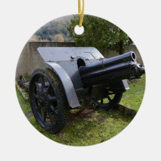 Howitzer italiano da segunda guerra mundial ornamento de cerâmica redondo