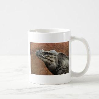 Iguana do rinoceronte caneca de café