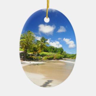 Ilha tropical em Cayman Islands Ornamento De Cerâmica Oval