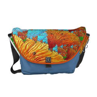 Ilustração coral bolsas mensageiro