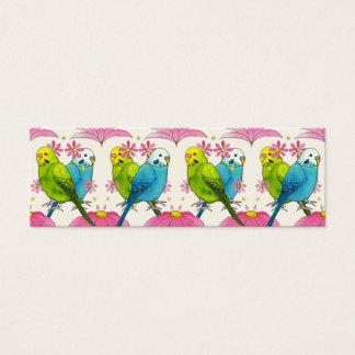 Ilustração minúscula bonito do pássaro do cartão