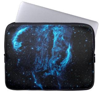 Imagem ultravioleta da colheita da nebulosa do laç capa para computador