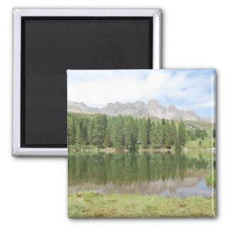 Íman Montanhas do marmolada do lago dolomites