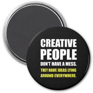 Íman Pessoas criativas das ideias da confusão