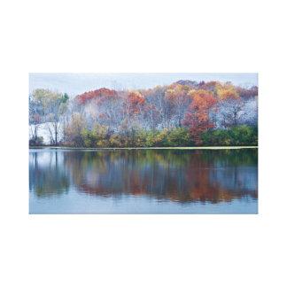 Impressão Em Canvas Manhã nevado do outono do parque de Marthaler