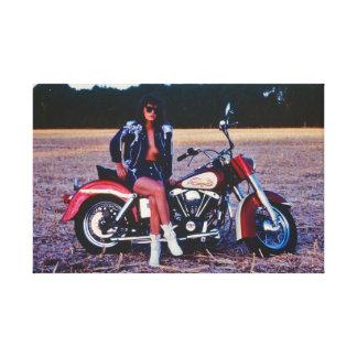 Impressão Em Tela Menina clássica do Pinup em uma motocicleta