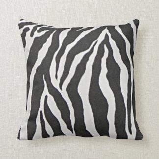 Impressão preto e branco da zebra travesseiros