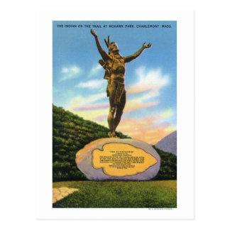 Indiano na estátua da fuga na opinião do parque do cartão postal