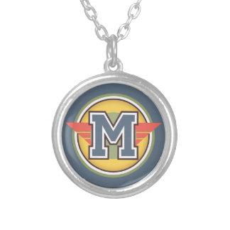 """Inicial da letra """"M"""" do monograma de Deco Colar Banhado A Prata"""