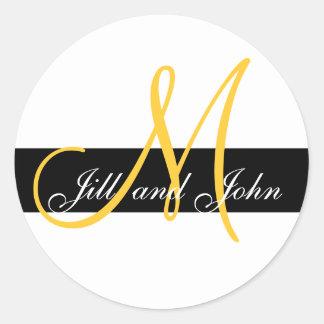 Inicial do monograma do casamento & amarelo feitos adesivo