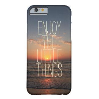 Inspirado aprecie as citações pequenas das coisas capa iPhone 6 barely there
