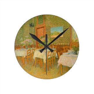 Interior de um restaurante por Vincent van Gogh Relógios De Pendurar