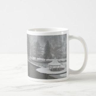 Inverno em quedas verdes da montanha, Colorado Caneca