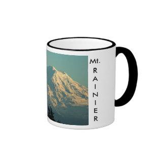 Inverno o Monte Rainier Caneca Com Contorno