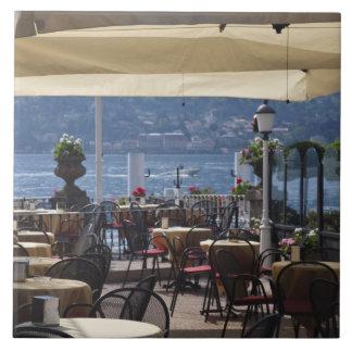 Italia, província de Como, Bellagio. Café da beira Azulejo De Cerâmica