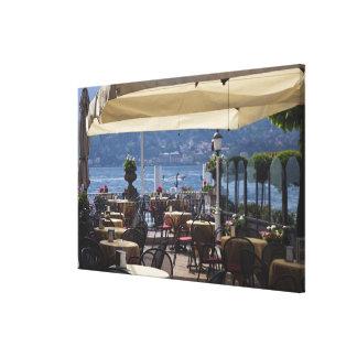 Italia, província de Como, Bellagio. Café da beira Impressão De Canvas Esticadas