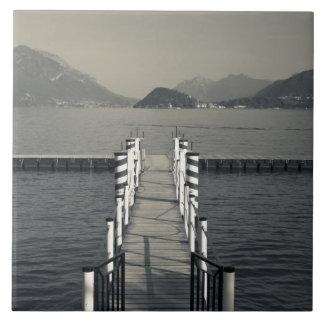 Italia, província de Como, Tremezzo. Cais do lago Azulejos De Cerâmica