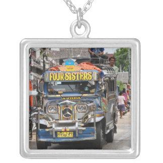 Jeepney Colar Banhado A Prata