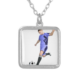 Jogador de futebol em roxo e em branco colar com pendente quadrado