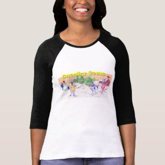 Jogo adorável das vacas na neve camiseta