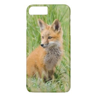 Jogo do Fox vermelho na grama perto do antro Capa iPhone 7 Plus