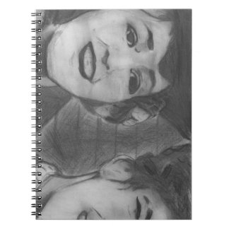 Jornal preto e branco da estrela de cinema do caderno espiral