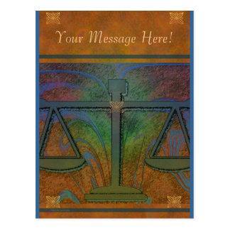 Justiça escala o cartão elegante cartão postal