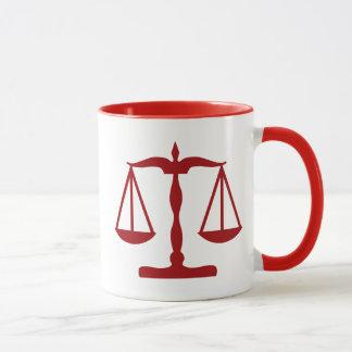 Justiça escala o vermelho do ~ caneca