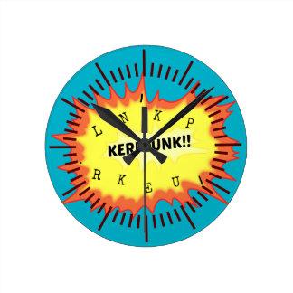 Kerplunk da palavra do Onomatopoeia que pensa o Relógio De Parede
