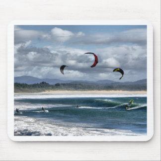 Kitesurfing na praia mousepad