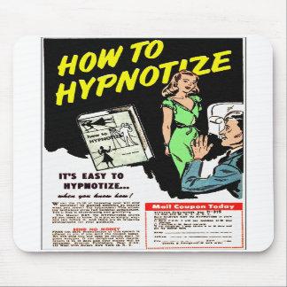Kitsch retro do vintage como Hypnotize o anúncio c Mousepads