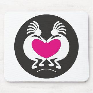 Kokopelli com coração cor-de-rosa mousepad
