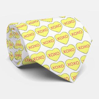 Laço amarelo do amor dos corações dos doces do dia gravata