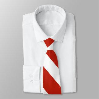 Laço vermelho e do branco III da universidade da Gravata