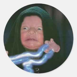 Lado escuro do bebê adesivo em formato redondo