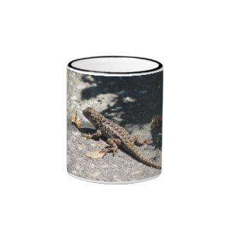 lagarto caneca com contorno