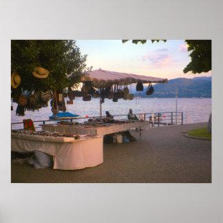 Lago Como, tenda do artesanato em Belaggio Poster