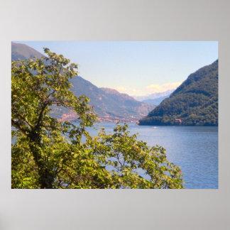 Lago Como uma vista do lago Pôsteres