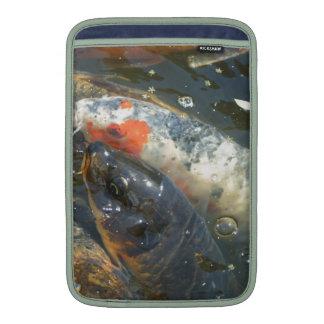 Lagoa do lago Koi bonita Bolsas De MacBook Air