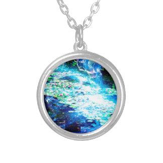 Lagoa místico colar banhado a prata