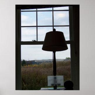 lâmpada contra o impressão da paisagem