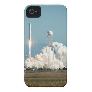 Lançamento de Antares Rocket Capinhas iPhone 4