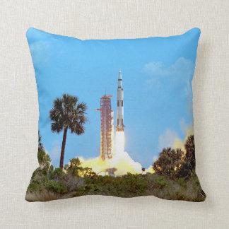 Lançamento de Apollo 16 Travesseiros De Decoração