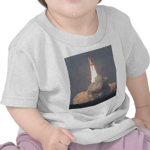 Lançamento de Atlantis STS-129 do vaivém espacial T-shirt