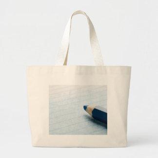 Lápis azul da cor com coloração bolsas para compras