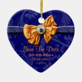 """Laranja azul """"economias que o casamento da data"""" ornamento de cerâmica coração"""