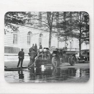 Lavagem do poder do carro de bombeiros, 1923 mouse pad
