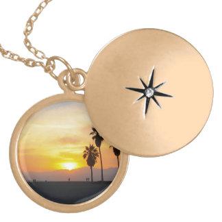 Lembrança do por do sol de Califórnia da praia de Colar Banhado A Ouro
