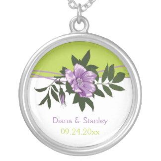 Lembrança floral do verde do casamento do rosa colar banhado a prata